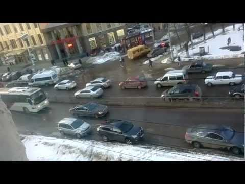 Хамство водителя на Кирова 29 марта 2013.Калуга. Часть 1