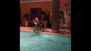 getlinkyoutube.com-سما المصرى تسبح فى حمام السباحه وجسم ناااار !!
