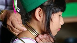 getlinkyoutube.com-12-Inch Necks: See How Women Torture Themselves for Beauty- A Broad Abroad