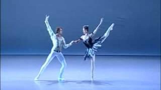 getlinkyoutube.com-Shoko Nakamura and  Wieslaw Dudek / Black Swan