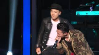 getlinkyoutube.com-GD & Taeyang - Good Boy - BIGBANG . Singapore SG50 Countdown - Rainice