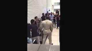 getlinkyoutube.com-Dubai Mall H&M x Balmain 5/11 complete chaos entry