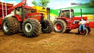 getlinkyoutube.com-RC TRACTOR unload grain cart - farm toy action
