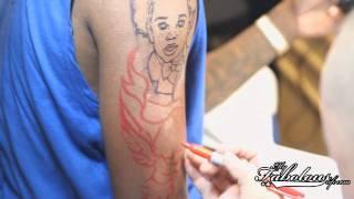 Fabolous se fait tatouer le portrait de son fils par Mister Cartoon