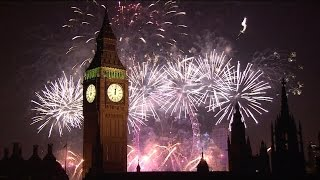 getlinkyoutube.com-London Fireworks 2015 - New Year's Eve Fireworks - BBC One