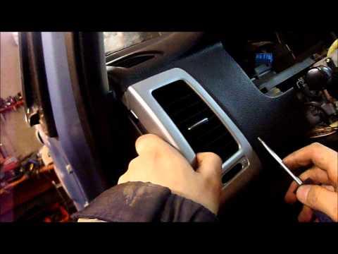 Разборка Suzuki Liana (razborka-liana.ru): Как снять боковые воздуховоды на торпеде Сузуки Лиана