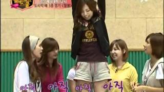getlinkyoutube.com-After School's Lizzy is Ticklish.