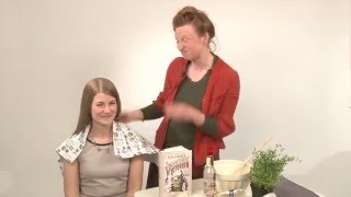 getlinkyoutube.com-Ruth Goodman's Victorian Hairstyling 101