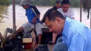 getlinkyoutube.com-Mancing Mania Baung 10Kg Kuala Cinaku (Part1)