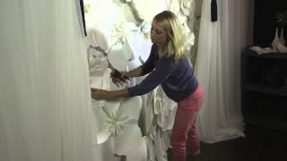 getlinkyoutube.com-How to Decorate a Wall With Paper Flowers : Floral Designs