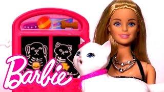 getlinkyoutube.com-Barbie'nin Kedisi Hastalanıyor, Barbie Motorla Veterinere Gidiyor