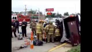 getlinkyoutube.com-Rollover With Extrication And Medivac Request In Lake Station Indiana.