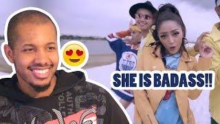 Siti Badriah - Lagi Syantik (Official Music Video NAGASWARA) REACTION width=