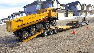 getlinkyoutube.com-RC ADVENTURES - Chrome Tamiya King Hauler Truck pulls 8x8 Tipper Truck on Triple Axle Trailer