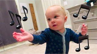 getlinkyoutube.com-BABY DANCE MOVES!