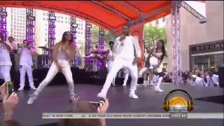 getlinkyoutube.com-Queen fee fee performing with usher - Good Kisser