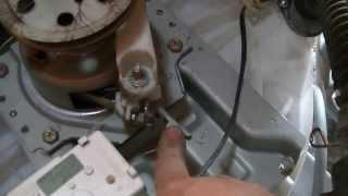 getlinkyoutube.com-Cambio de caja lavarropas Gafa 7500-PARTE 2