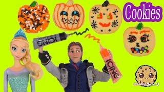 getlinkyoutube.com-Disney Frozen Dolls Queen Elsa, Princess Anna , Prince Hans Decorate Halloween Pumpkin Cookies