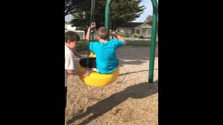 getlinkyoutube.com-Kid breaks both arms on tire swing!