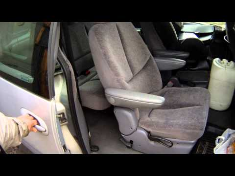 Где у Chrysler Grand Voyager находится радиатор кондиционера