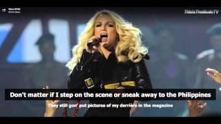 getlinkyoutube.com-Britney Spears - Piece Of Me - Lyrics On Screen