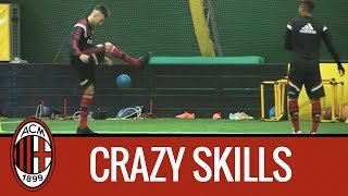 getlinkyoutube.com-Mastour - El Shaarawy: freestyle football juggling in Milanello | AC Milan Official