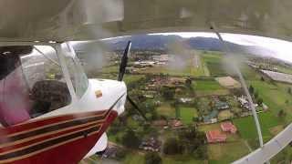 getlinkyoutube.com-Ultralight Small Plane - Emergency Landing