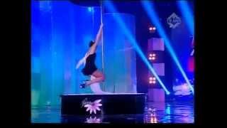 getlinkyoutube.com-Yohanna Harso First Pole Dance Performance on Indonesia Mencari Bakat 3