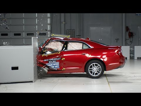 2013 Chevrolet Malibu small overlap test