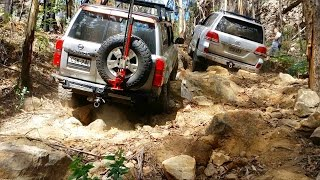 getlinkyoutube.com-Toyota Land Cruiser LC200 vs Nissan Patrol GU4 @ Nine Mile Steps