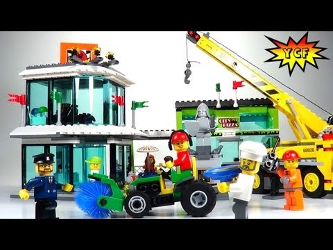 LEGO City Town Square Review - LEGO 60026