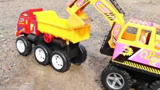 getlinkyoutube.com-รีวิวของเล่น - รถแม็คโคร power truck ตักดินทำภารกิจ วีดีโอสำหรับเด็ก