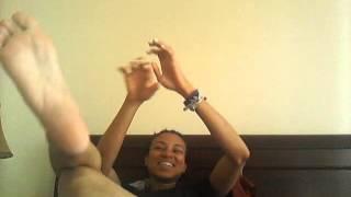 getlinkyoutube.com-The Incredible tickle me feet!!!!