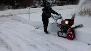 getlinkyoutube.com-Honda snow blower 1132, Winter storm February 10, 2013 part 2