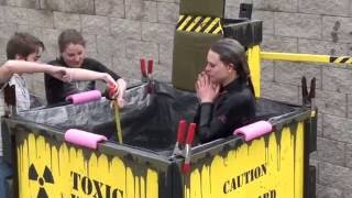 getlinkyoutube.com-Dunk Tank... of SCIENCE!!!