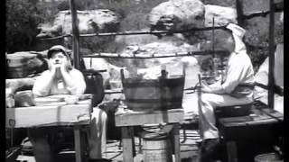 getlinkyoutube.com-The Flying Deuces - Stan Laurel and Oliver Hardy (best quality version)