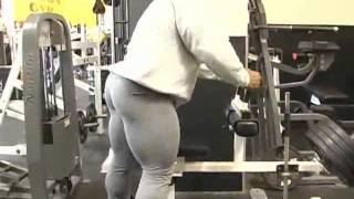 getlinkyoutube.com-Kai greene training legs part1