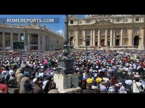 Pope's Regina Coeli  Lay Movements and  Church communities are a gift