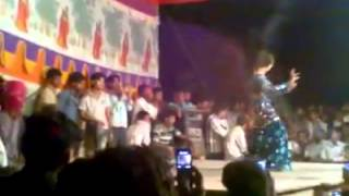getlinkyoutube.com-Nautanki party Kiran kumari Nawabganj {Bahraich}(3)