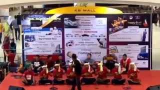 getlinkyoutube.com-Amran Daud Bukit Abal - Show Dikir Farmasi Cakna Ubat Anda 2014 #Lalang88