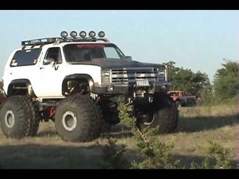 BIG ASS CHEVY'S 4X4'S