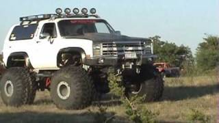 getlinkyoutube.com-BIG ASS CHEVY'S 4X4'S