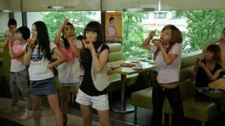 getlinkyoutube.com-Funny Korean Pizza Hut Commercial (with Dance tutorial)