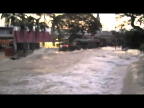 Video Surfaces Of Tsunami Wave Hitting Kona, Hawaii