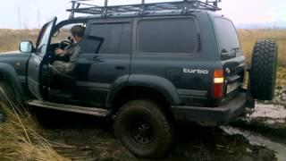 getlinkyoutube.com-Land Cruiser 80 в грязи