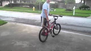getlinkyoutube.com-Make a bike sound like a dirtbike/motorcycle