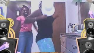 getlinkyoutube.com-Drop It Low! Kittie T. & Strawberry R.