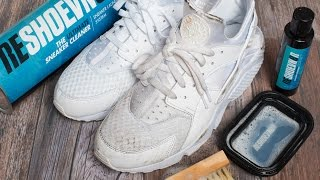 getlinkyoutube.com-How to clean triple White Huaraches with Reshoevn8r