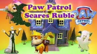 getlinkyoutube.com-PAW PATROL Nickelodeon Paw Patrol Scares Rubble a Paw Patrol Video Toys Parody