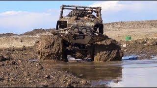 getlinkyoutube.com-RC ADVENTURES - ULTiMATE MUD - Paddle Tires & 3S Lipo - Custom SCX10 4X4 FOFF DiNGO